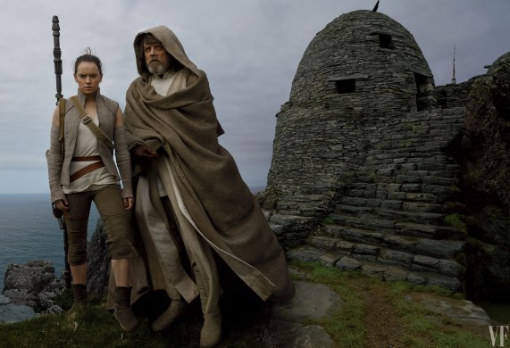 star-wars-the-last-jedi-vanity-fair-photo-shoot-by-annie-leibovitz-hi-res-hd-images-luke-and-rey