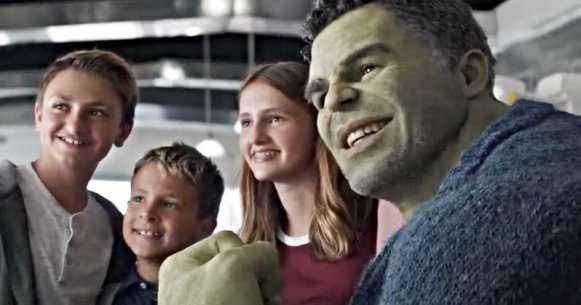 Avengers-Endgame-Professor-Hulk-Out-Clip